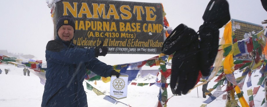 RC Weitra - Rotary-Wimpel im Himalaya