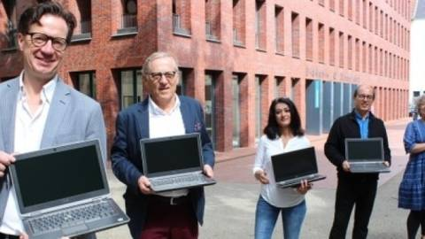 60 Laptops fürs Homeschooling gespendet