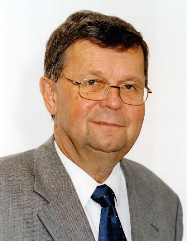 Helmut Obst