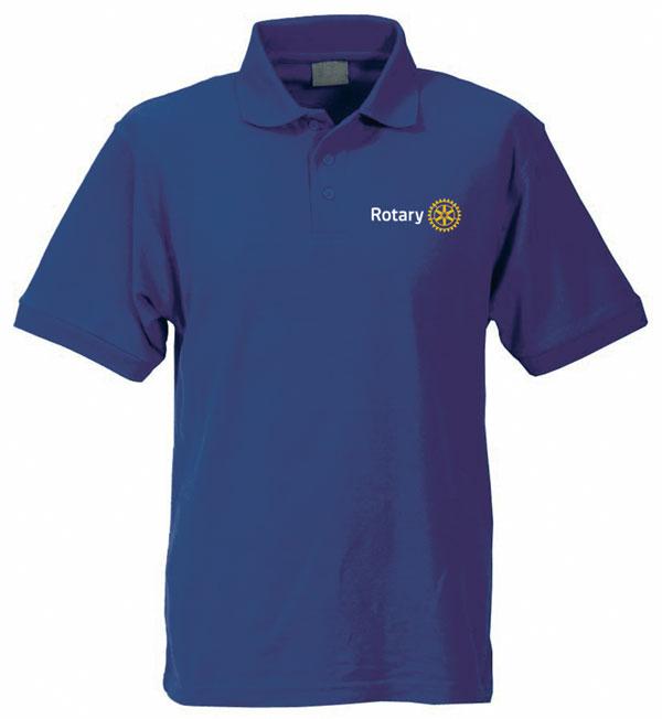 """Poloshirt: Schick, praktisch und """"seriöser"""" als ein kragenloses T-Shirt. Ein Klassiker, der jedermann (und -frau) gut steht. Gesehen bei www.club-merchandise.de"""
