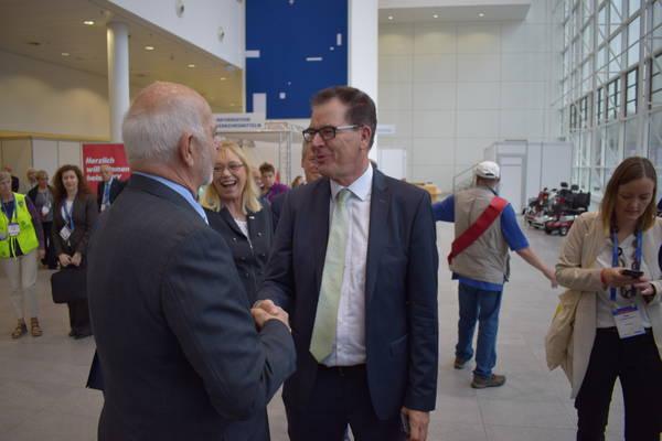 Minister dankt Rotariern für den…