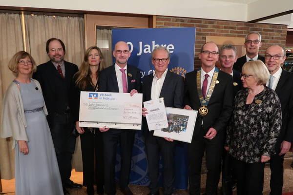 Zum Jubiläum 10.000 Euro gespendet