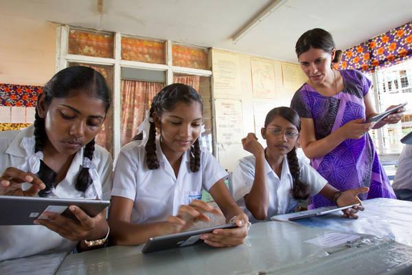 Bildung in alle Ecken der Welt tragen